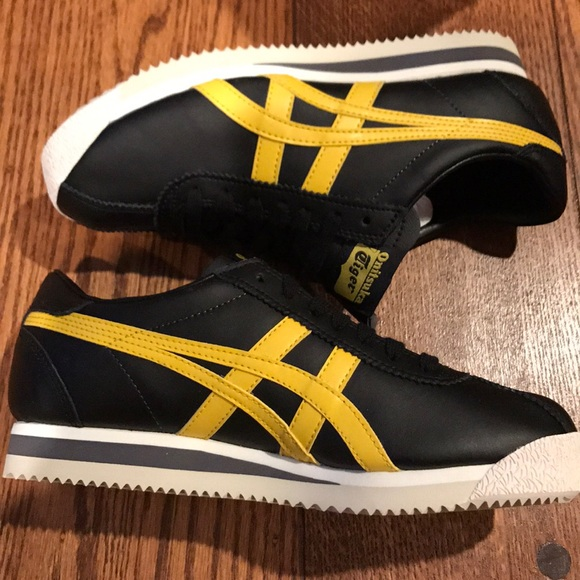 separation shoes 642e7 65d83 Authentic new Onitsuka Tiger running shows size 38 NWT